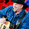 Garth Brooks to Embark on World Tour in 2014